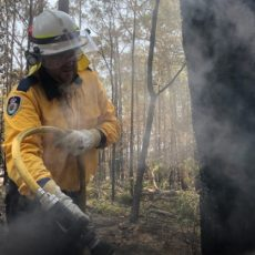 Canadian fire crews cheered in Australia as front-line teams prepare for the worst